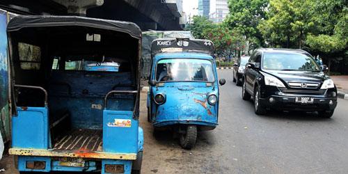 'Bemo' Si Jadul yang Jadi Transportasi Legendaris Jakarta