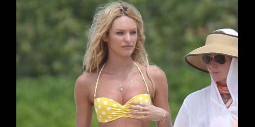 Bikini Seksi Selebriti 2011