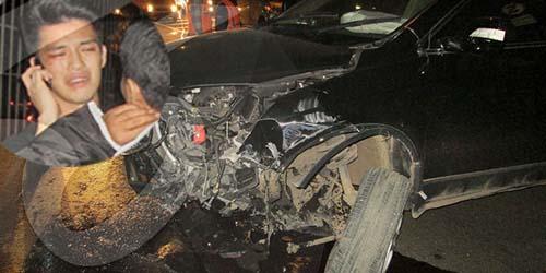 Foto Kecelakaan Morgan SMASH 'Muka Bonyok, Mobil Ringsek Hingga Tiang Roboh'