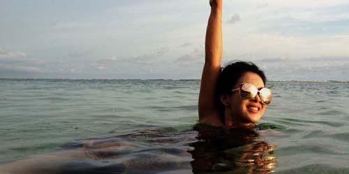 Foto Seksi Liburan Syahrini di Bali