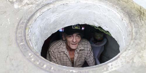 Miskin, Pasutri di Kolombia ini Huni Saluran Air Selama 22 Tahun