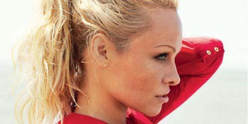 Pamela Anderson Nyaris Bugil di Vogue