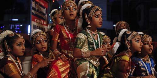 Perayaan Unik Ulang Tahun Dewa Siwa di India