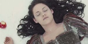 Cuplikan Adegan Kristen Stewart Difilm 'Snow White and The Huntsman'