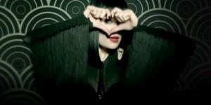 Cuplikan Adegan seksi Jessie J di Video Klip 'Domino'
