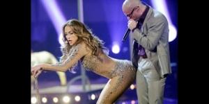 Jennifer Lopez Tampil Hot Sexy dengan Pakaian Transparan di AMA 2011