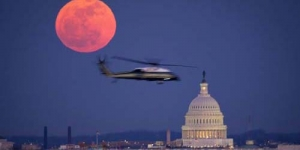 Fenomena 'Blood Red Moon' di London