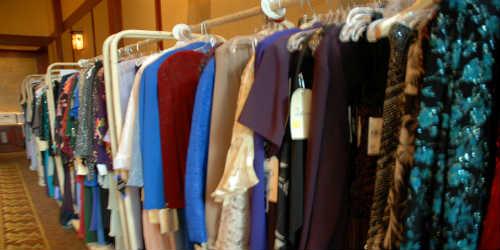 5 Tips Merawat Pakaian