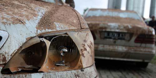 Mau Beli Mobil Second, Awas Ketipu Mobil Bekas Terendam Banjir! (Ini Ciri-Cirinya)