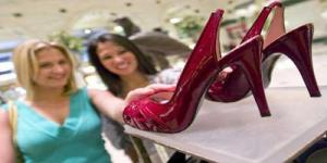 Fakta Dan Alasan, Mengapa Wanita Tergila-gila Pada Sepatu