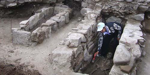 Arkeolog Temukan Kerangka 'Vampir' di Bulgaria