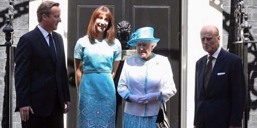 Baju Kembar, Ratu Elizabeth II Cemberuti Istri Perdana Menteri Inggris