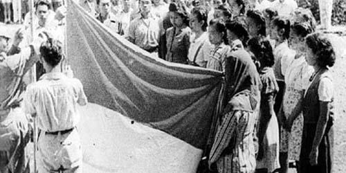 Bendera Merah Putih Pertama Terbuat dari Kain Tenda Warung Soto!