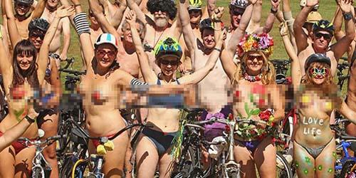 Bersepeda Bugil di 'World Naked Bike Ride' Australia
