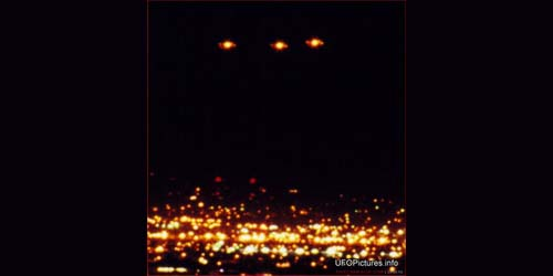 Mendekati Tanggal Kiamat 21 Desember 2012, UFO Muncul di Langit Amerika