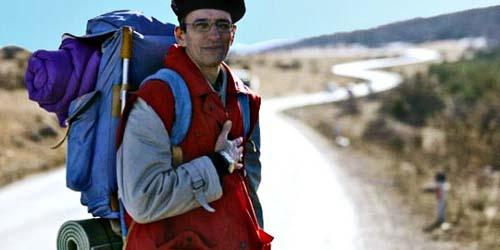 Salut! Bule Ini Berjalan Menempuh 5.900 Kilometer untuk Naik Haji