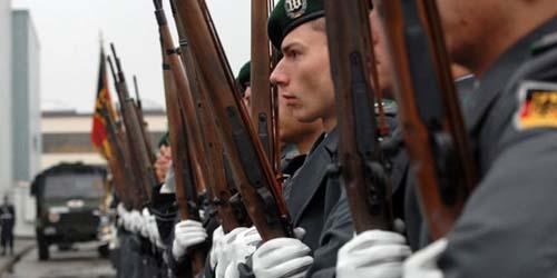 Sering Banting Senjata, Payudara Tentara Jerman Membesar