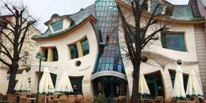 10 Desain Bangunan Paling Unik