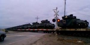 Amerika Angkut Ratusan Tank di Kereta Api, Rencanakan Perang ?