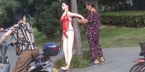 Di China Boneka Seks Jadi Rambu Lalu Lintas