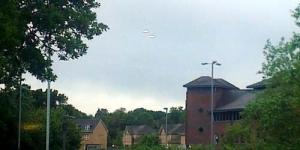 2 UFO Gentayangan di Langit Inggris