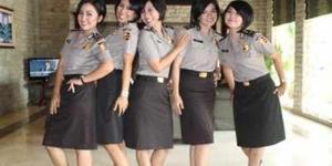 Girlband 'Diva Baranita' Beranggotakan 5 Polwan Cantik (Video)