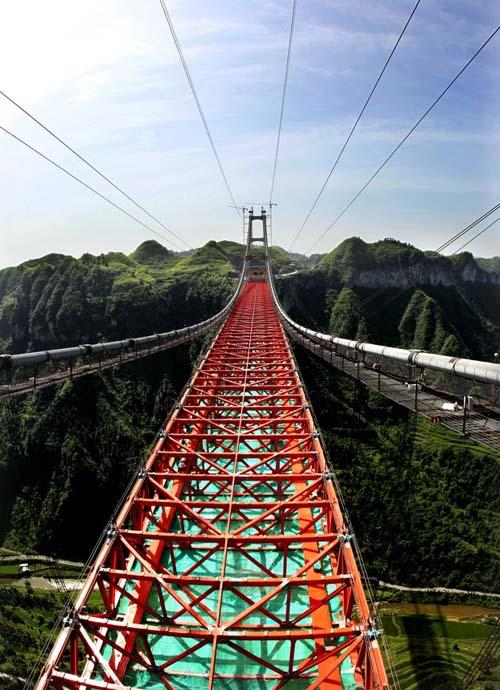 Gambar Jembatan Gantung 'Aizhai' Tertinggi di Dunia