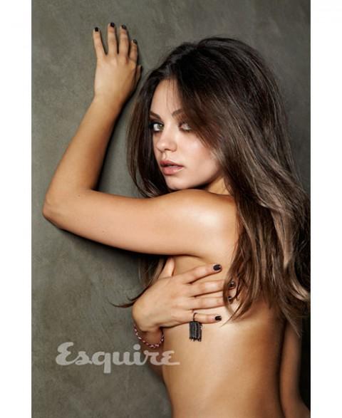 Mila Kunis Rela Bugil untuk Esquire