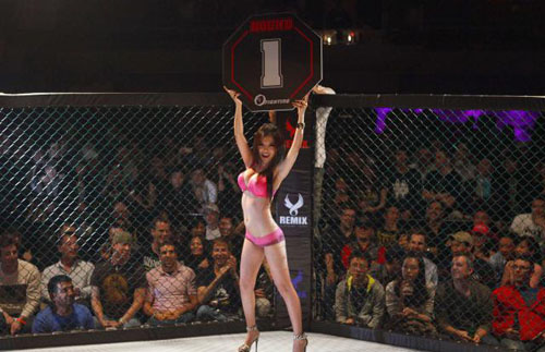 Para Gadis Seksi di Arena Ring Tinju
