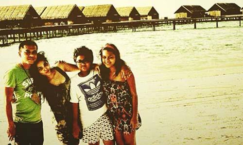 Foto Liburan Keluarga Anang And Ashanty Maldives | Foto Artis ...