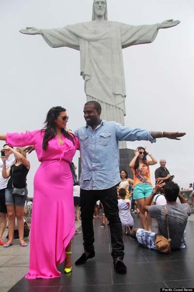 Kim Kardashian dan Kanye West di Rio De Janeiro