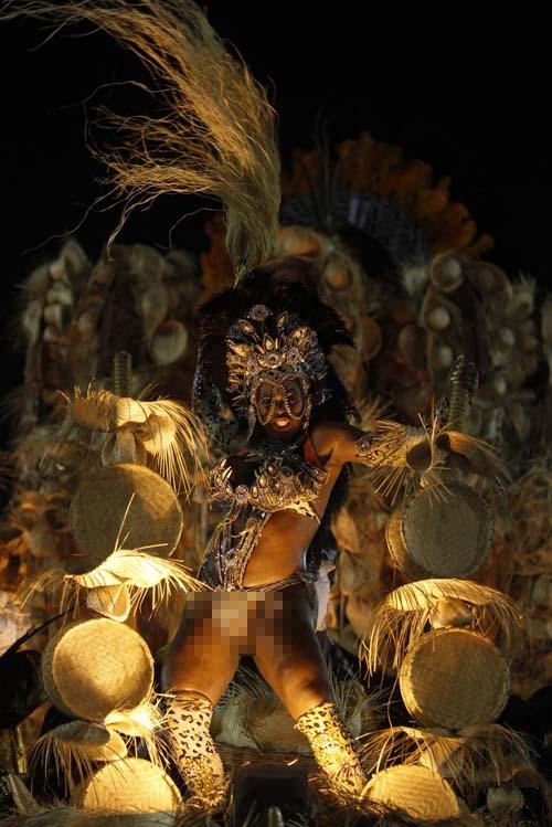Penari Samba Tampil Seksi dan Vulgar di Karnaval Rio de Janeiro