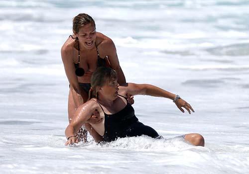 Payudara Heidi Klum Terlihat 2