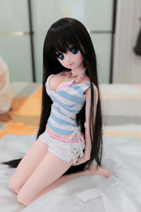Dollfie, Boneka Cantik dan Seksi yang Bikin Pria Jepang Tergoda