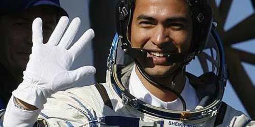 Kisah Astronot Sholat dan Mendengar Adzan di Luar Angkasa