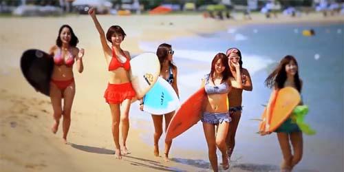 T-ara Basah-basahan di Pantai dalam Video Klip 'Bikini'