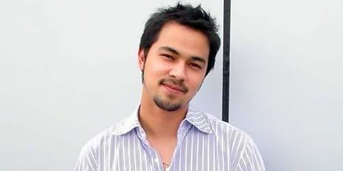 Artis-artis Indonesia yang Masuk Islam (1): Sultan Djorghi