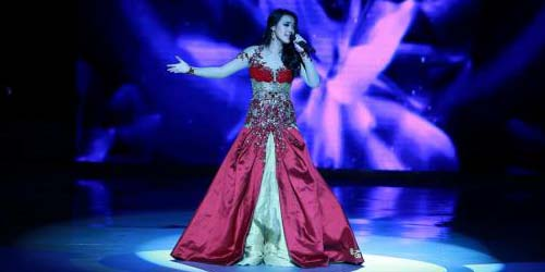 Miss Indonesia Vania Larissa Raih Gelar Miss World Talent 2013