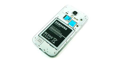 Baterai Galaxy S4 Melembung? Samsung Berikan Baterai Gratis