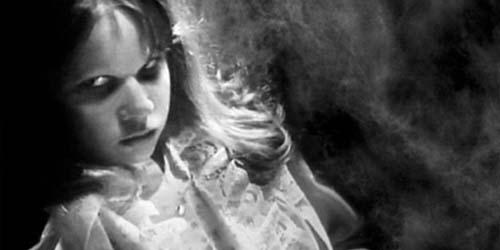 Demi Usir Setan, Gadis Muda Disalib