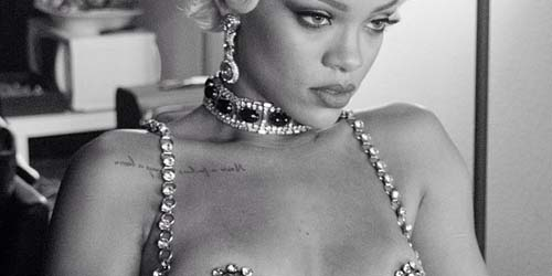(Foto) Tampil Vulgar, Rihanna Nyaris Bugil di Video Pour It Up