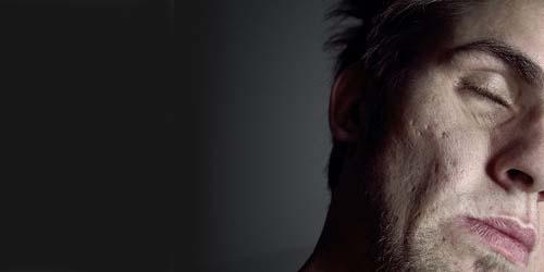 7 Fakta Kerutan Wajah Pria dan Kepribadiannya