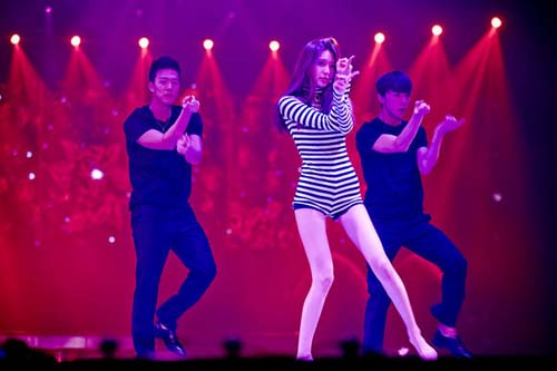 Girls Generation (SNSD) Tampil Seksi di Konser Marchen Fantasy: Sooyoung