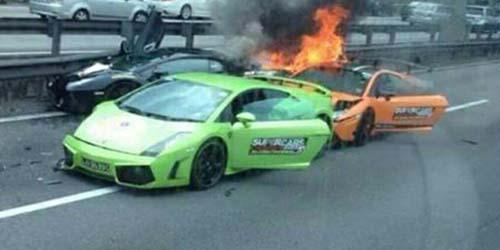 Tiga Lamborghini Alami Kecelakaan dan Terbakar di Malaysia