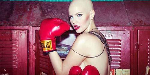 Elly Mayday, Penderita Kanker yang Menjadi Model Lingerie