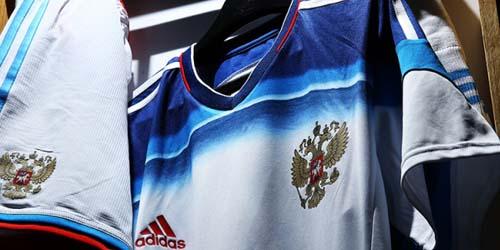 Jersey Rusia di Piala Dunia 2014 Bertema Luar Angkasa