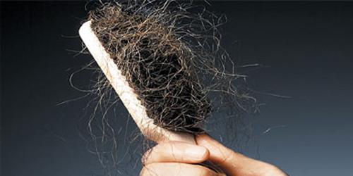 6 Penyebab Rambut Mudah Rontok
