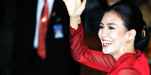 5 Wanita Cantik yang Akan Jadi Anggota DPR: Rieke Diah Pitaloka