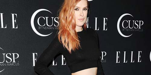 Gaun Terlalu Terbuka, Putri Demi Moore Rumer Willis Pamer Celana Dalam