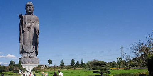6 Patung Termegah Dan Tertinggi Di Dunia: Patung Budha Ushiku di Jepang